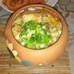 Как приготовить картошку в горшочках с грибами и мясом в духовке?